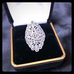 Beautiful Silver 925 Marcasite Ring Size 7